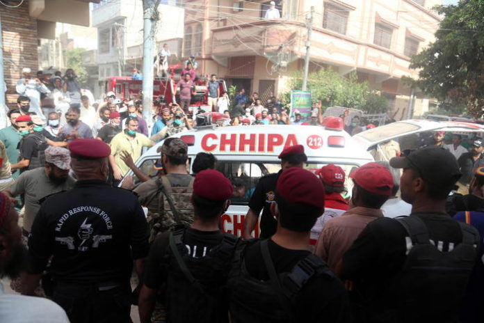 Pakistan:sopravvissuti in sciagura aerea