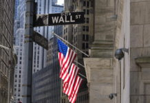 Trump, Wall Street vola, Usa riaprano