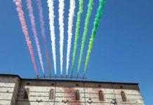 Frecce tricolori sorvolano Perugia e Ass