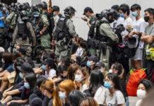 Hong Kong, 240 arresti per proteste