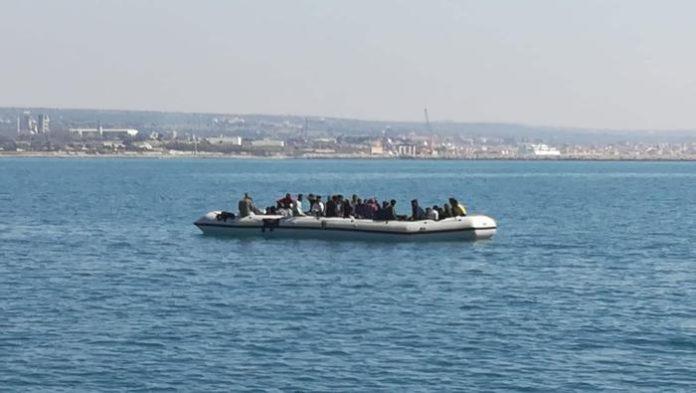 Alarm Phone: 47 migranti alla deriva