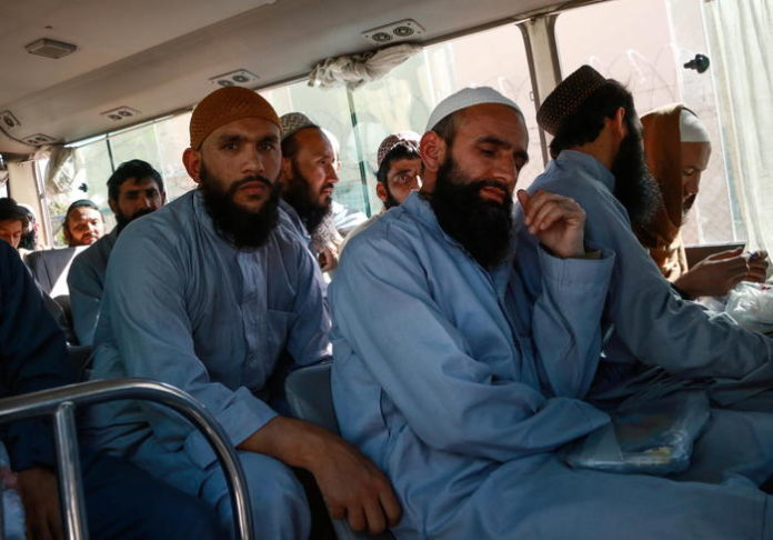Afghanistan, 007 Usa intercettarono fondi russi
