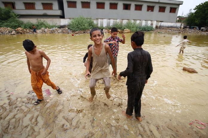 Pakistan: salgono a 15 i morti per le piogge monsoniche