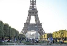 Mascherine obbligatorie in alcune zone di Parigi